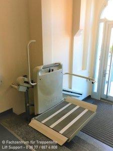 Lift für Rollstuhlfahrer in Ärztehaus Oldisleben bei Sondershausen